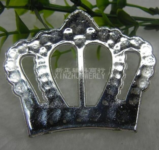200pcs/lot High Quality Plastic Buckle Round Crown Heart Shape For Wedding Cover Chair Spandex Decoration Buckles For Band Chair-in Sashes from Home & Garden    3