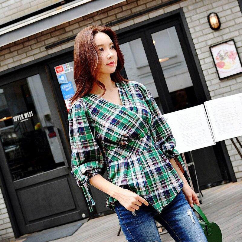 Dabuwawa Spring/Autumn Woman Plaid Shirts Streetwear Blouse V Neck Lantern Sleeve Lace Up Slim Green Shirts Top D18CST049