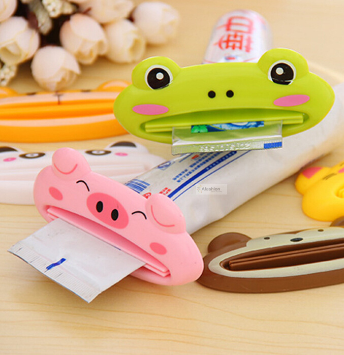 1pc Lovely Toothpaste Dispenser Tube Rolling Squeezer Easy Use Minion Tooth Paste Accessories Teeth Clean Tools