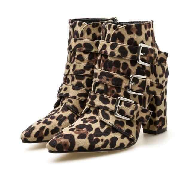 Рыцарства сапоги женские леопардовые ботильоны зимние женские ботильоны обувь на квадратном каблуке Женские пояс из кожи змеи пряжкой с острым носком обувь