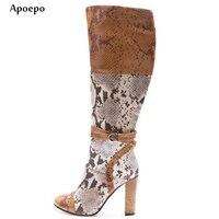 New Новые змеиной кожи ботинки с высоким голенищем 2018 сапоги на высоком каблуке с круглым носком женские разноцветные толстый каблук сапоги