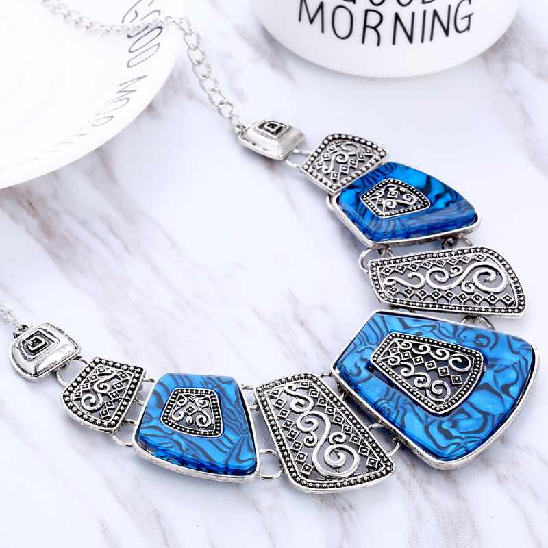Hesiod Statement Necklace New Vintage Jewelry Silver Gold Color Alloy Resin Bead Choker Necklace Fashion Bijoux Necklace Women