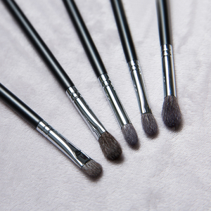 Image 3 - Professional Handmade Makeup Brushes Set Soft Blue Squirrel Goat Hair Eye Shadow Blending Brush Black Handle Make Up Brush Kit