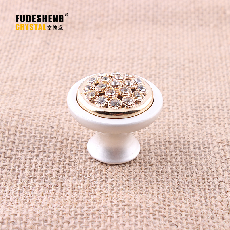 deluxe gold drawer pull knob cabinet knob crystal diamond white dresser cupboard wardrobe furniture decoration knob handle pull free shipping 25mm diamond crystal cupboard cabinet dresser drawer wardrobe door knob pull handle home decor store hot