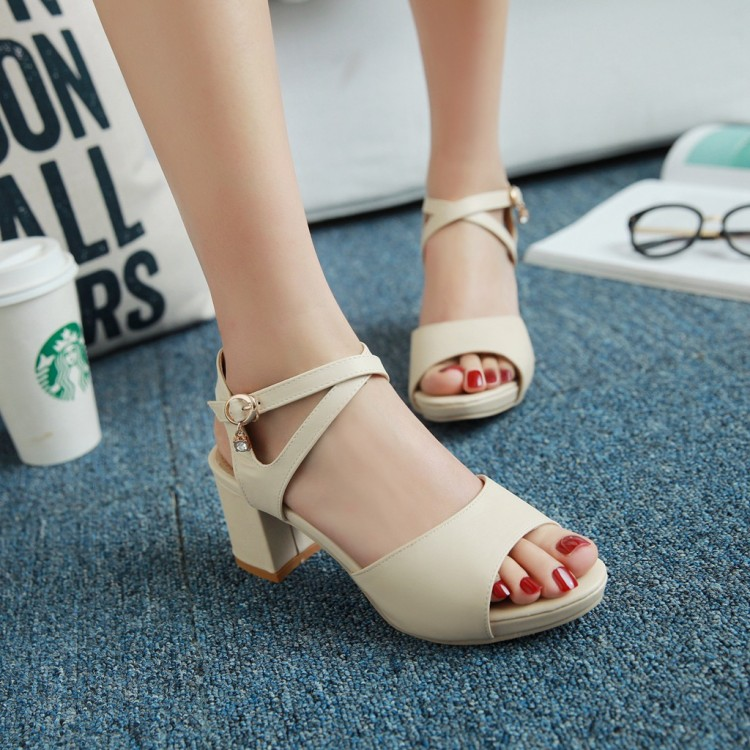 ФОТО Small yards 31 women's shoes 32 33 open toe sandals summer thick heel sweet white brief 40 41 43 plus size
