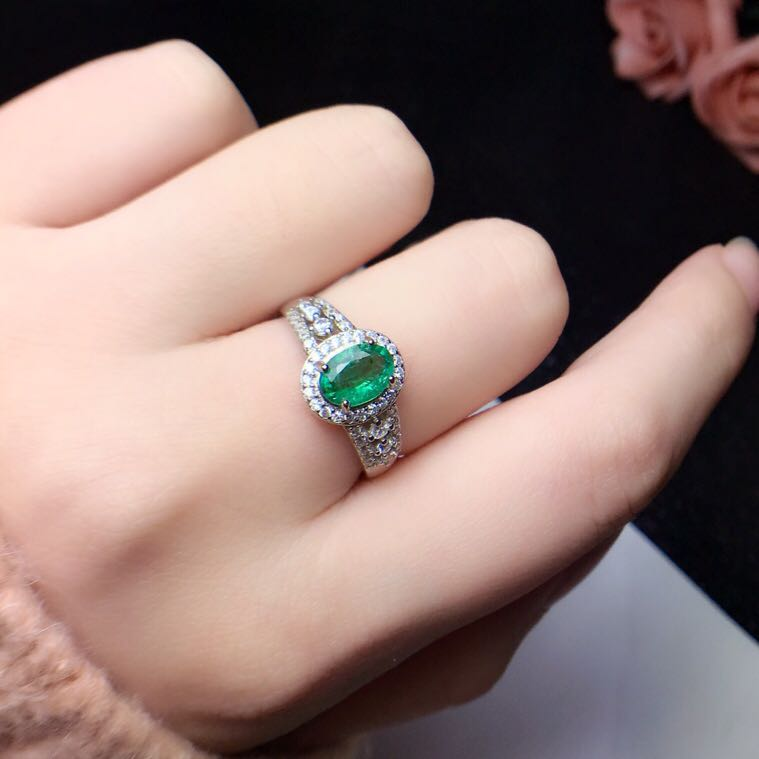 Natural emerald ring Free shipping 925 sterling silver 5*7mm gemstone Fine jewelryNatural emerald ring Free shipping 925 sterling silver 5*7mm gemstone Fine jewelry