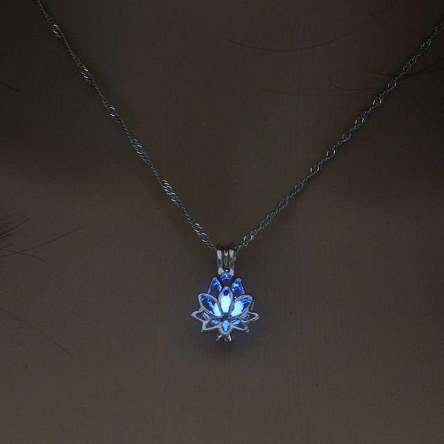 Beautiful Lotus Pendant Necklace Glowing in the dark