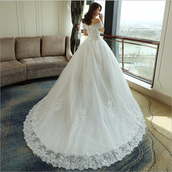 LOVSKYLINE Luxury Bling Wedding Dresses 2018 Ball Gown Long Tail Ivory Embroidery Lace Edge Short Sleeve 4