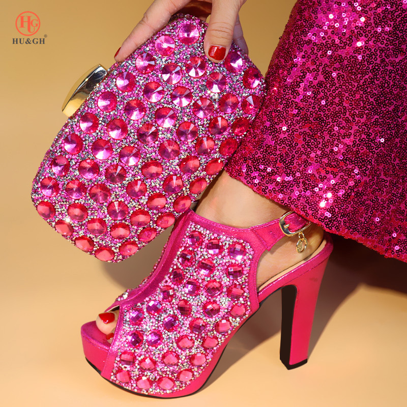 все цены на 2018 New Rose Red Nigerian Shoes and Matching Bags African Shoes and Matching Bags Italian Women Wedding Party Shoes and Bag Set онлайн