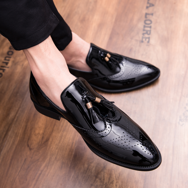 CNFIIA Shoes Men High Quality Black Loafers Patent Leather Shoes Men Tassel Shoes Slip on Hot Sale Male Luxury Brand Fashion New
