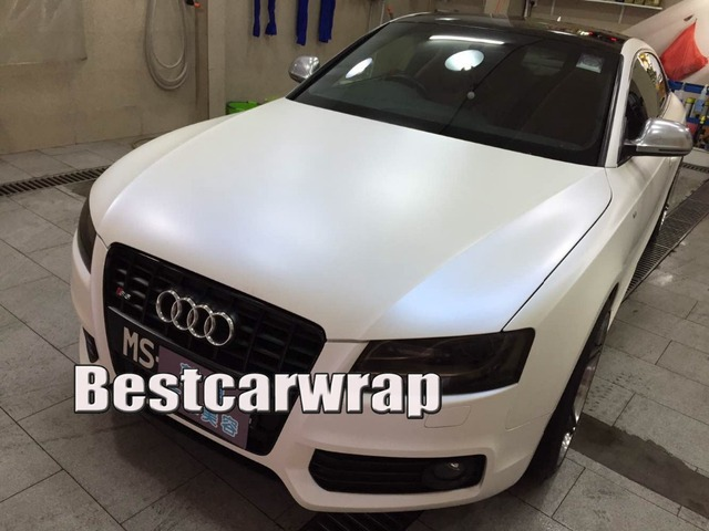 Satin Pearl White To Blue Vinyl Car Wrap Chameleon Coating Air