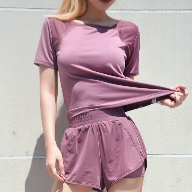 New 2pcs Women's Yoga Set Female Yoga Suit Fitness Sportswear Workout GYM Running Sports Shirt+Short Pants Sports Clothes Shorts