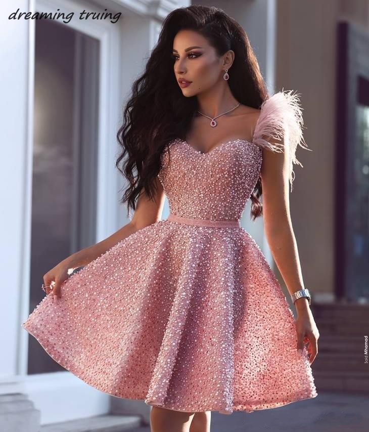 Glitter Full Pearls Short Cocktail Homecoming Dresses Arabic Dubai Style Knee Length Pink Feathers Prom Gowns Vestidos De Coctel