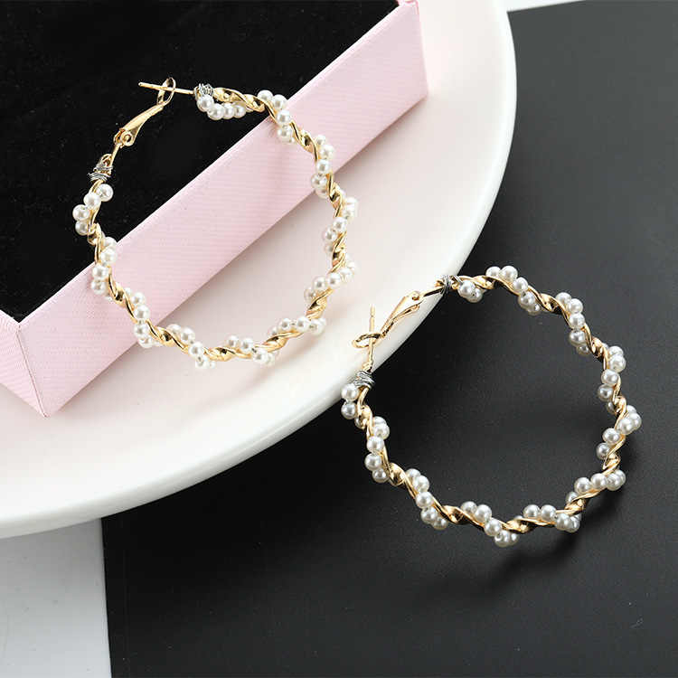 Korean cold wind fairy temperament personality go with pearl exaggerated large circle earrings