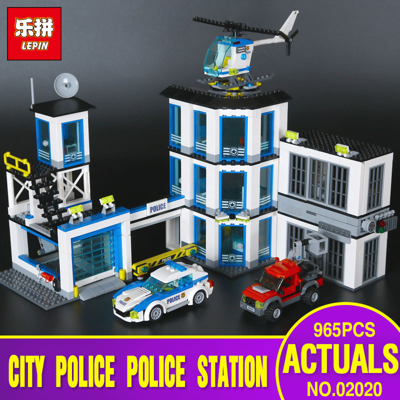 Lepin 02020 City Series The New Police Station Set 965Pcs Children Educational Building Bricks Blocks Boy Toys Model 60141 Gift 965pcs city police station model building blocks 02020 assemble bricks children toys movie construction set compatible with lego