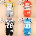 Wwinter conjuntos de Roupas infantis para o menino roupas além de veludo quente grossa Com Capuz + calça crianças roupas esporte terno do bebê roupas menino
