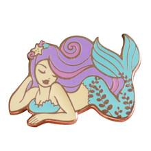 Splendida mermaid pins fantasy pastello arte distintivo carino ocean spilla donne beautful accessori(China)