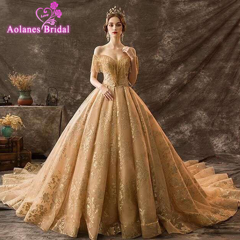 Gold Lace Ball Gowns Wedding Dresses 2019 Boat Neck Lace Up Flowers Pattern Saudi Arabia Luxurious Ball Gown Bridal Gowns Veils