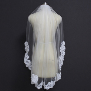 Image 3 - Echte Foto S Elegant Gedeeltelijke Lace Zijde Korte Wedding Veil Een Layer Wit Ivoor Bridal Veil met Kam Veu de Noiva