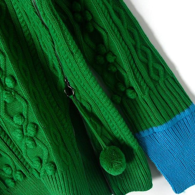 green sweater02