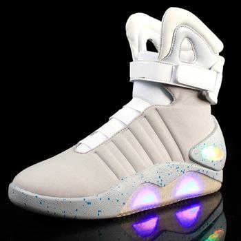 Dorośli USB ładowanie LED Luminous buty dla moda męska światło się casual mężczyźni B powrót do przyszłości świecące sneakers Free Ship tanie i dobre opinie Dorosłych Gumowe z xsque Buty motocyklowe Buty LED do ładowania USB Tkanina bawełniana Płaski (≤ 1cm) Zaczep pętli