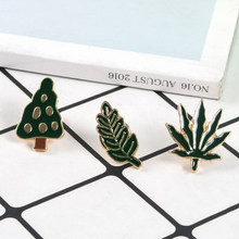 Groene Palm Leaf Tree Leaves Emaille Pins Tiny Cartoon Planten Broches Voor Vrouwen Mannen Denim Jassen Reversspeldjes Badge Zomer sieraden(China)