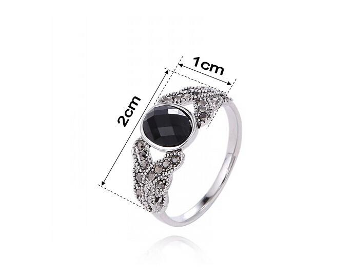 Elegant Silver Plated Vintage Black Crystal Ring 1