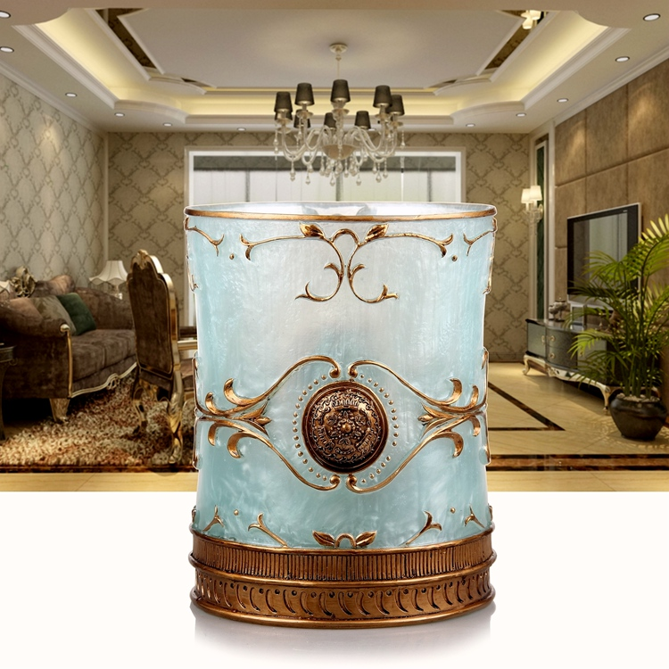 European style bucket with a lid in the living room, kitchen, bathroom, garbage can, trash size