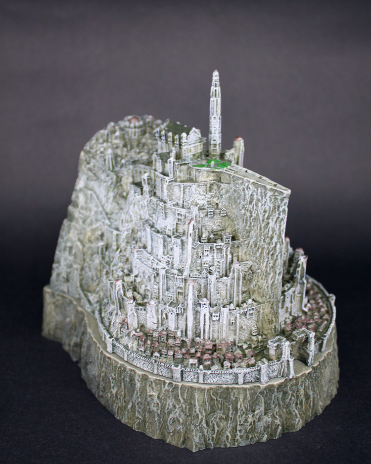 [Funny] Lord of the Rings toy The Hobbit action figures Minas Tirith model statue toys model copper imitation novelty ashtray