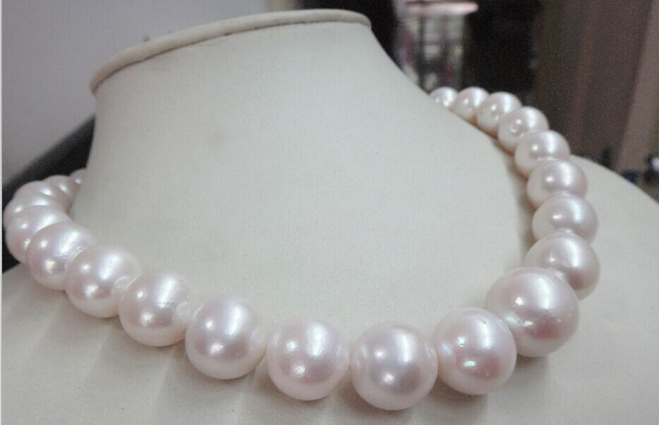 FREE SHIPPING>>HUGE 1813-17mm natural south sea Genuine White round nuclear pearl necklaceFREE SHIPPING>>HUGE 1813-17mm natural south sea Genuine White round nuclear pearl necklace