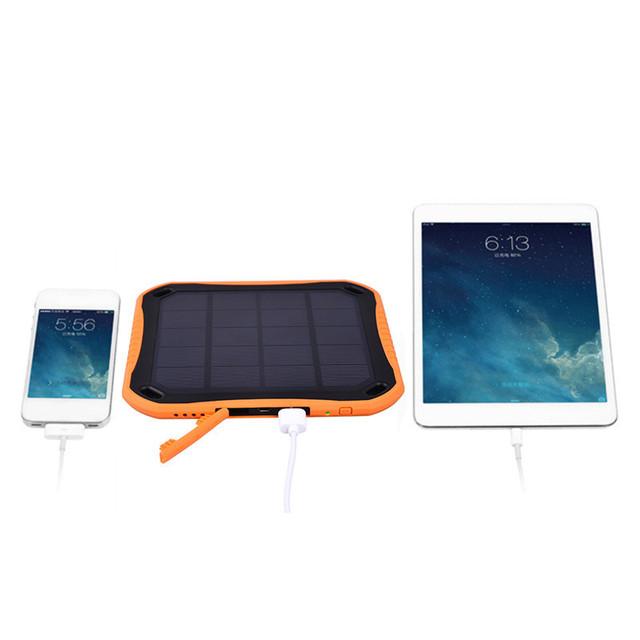 5600 mAh Solar Cargador de Teléfono Impermeable Dual USB Banco de la Energía de Batería Externa para iphone 5s 6 s 7 plus para samsung s7 para todos teléfono