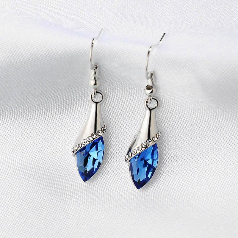 Brincos Crystal Earrings For Women Hot sale Fashion costume Jewelry Women  Special Offer Classic Long Earring Pendientes-in Drop Earrings from Jewelry  ... c6b8da529b87
