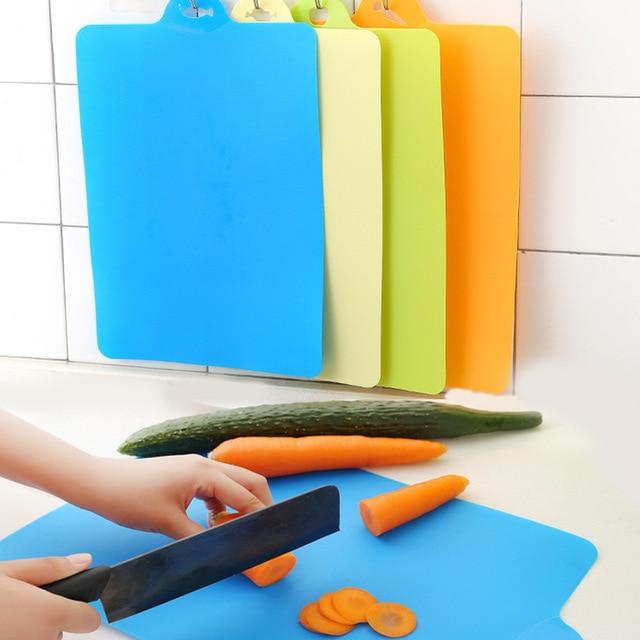 39*25 cm Flexível PP Plástico Não-slip Pendure Buraco Fatia Corte Cepo Placa De Corte de Alimentos Da Cozinha ferramentas de cozinha Tábua de Queijos