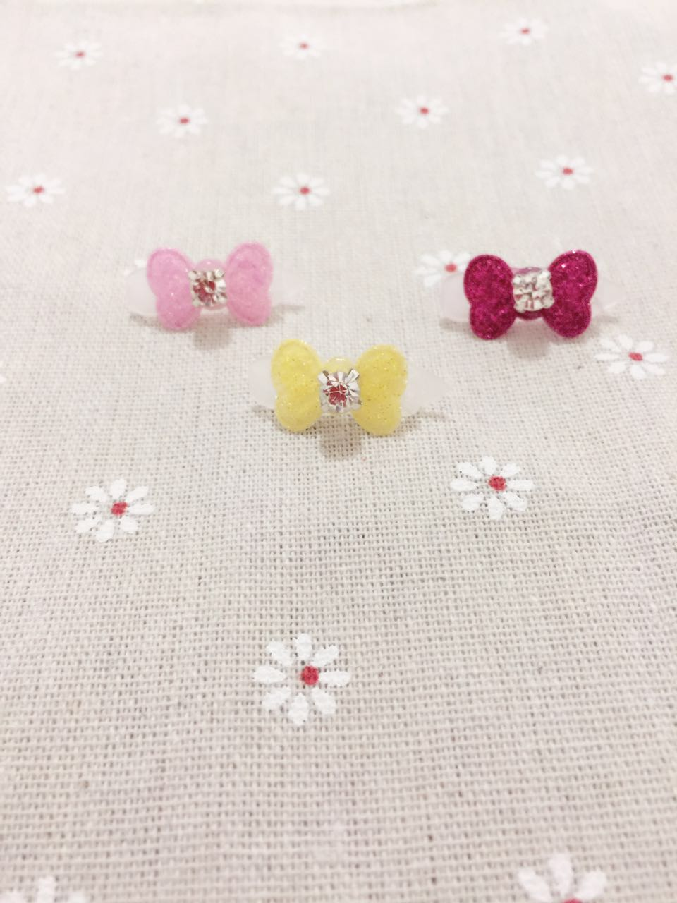 Pet hairpin Cute Gift Handmade Super Shining Mini BB 2 5 cm Bows Clip Dog Hair bows TL19081001 in Dog Accessories from Home Garden