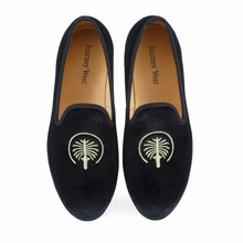 цена 2016 New Design Luxury Men Loafers Velvet Slippers Mens Flats Men Velvet Shoes Party and Wedding Shoes Size US7-14 Free shipping онлайн в 2017 году