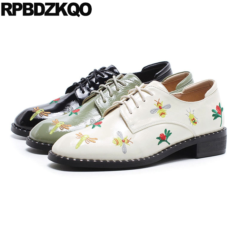 Stud British Style Patent Leather Real Floral Women Bee Oxfords Rivet Flower Chinese Embroidered Shoes Green Low Heel Embroidery vintage embroidery women flats chinese floral canvas embroidered shoes national old beijing cloth single dance soft flats