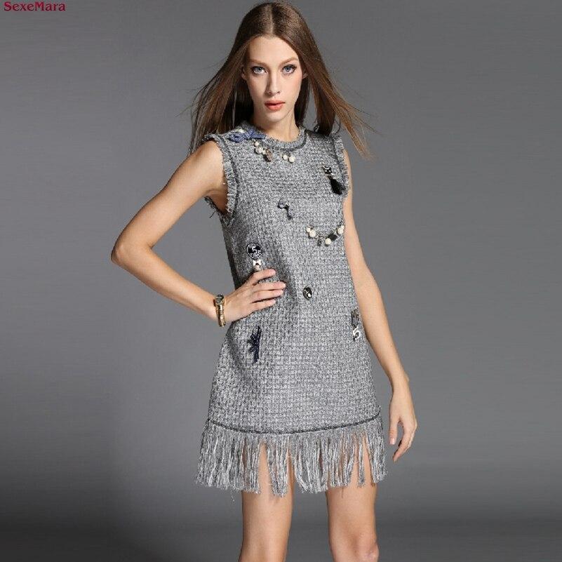 Волосатая в платье фото