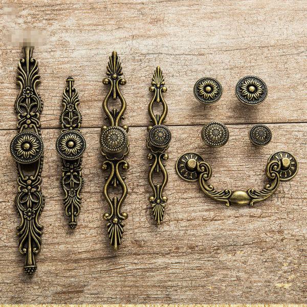 Us 2 47 5 Off Ev Dekorasyonu Ten Dolap Cekerleri De Avrupa Tarzi Antika Dolap Dolap Kulpu Retro Bronz Mobilya Kapi Bronz Mutfak Kolu Ayakkabi Dolabi