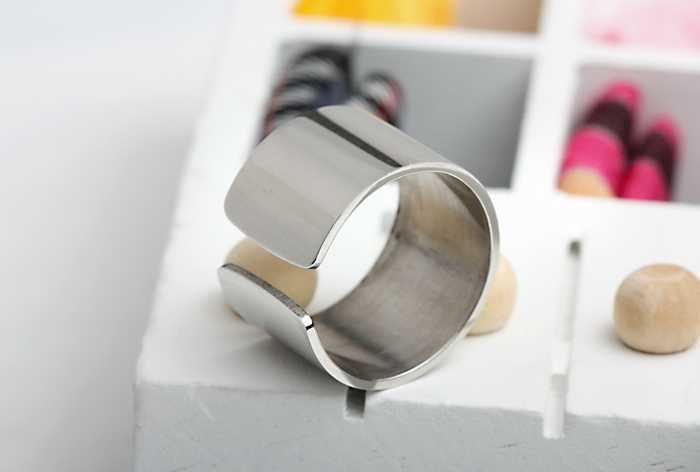 free shipping Master's sun titanium steel silver personality wide 1.2cm open c big size can be adjusted   women's ring
