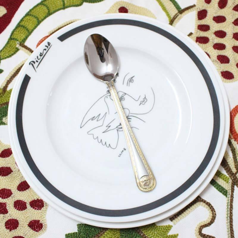 4 pcs/set Vintage Western Gold Plated Dinnerware Dinner Fork Knife Set Golden Cutlery Set Stainless Steel Engraving Tableware-in Dinnerware Sets from Home ... & 4 pcs/set Vintage Western Gold Plated Dinnerware Dinner Fork Knife ...