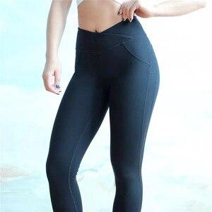 Image 5 - ผู้หญิง CHRLEISURE ออกกำลังกายกางเกงขายาว Push Up Fitness Leggings หญิงแฟชั่น Patchwork Leggings Mujer 3 สี