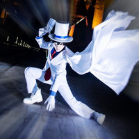 Kaito Kiddo KID Kid Phantom Thie costumi cosplay Giapponese anime Detective Conan abbigliamento (Giacca + pantaloni + Camicia + Hat + Tie)