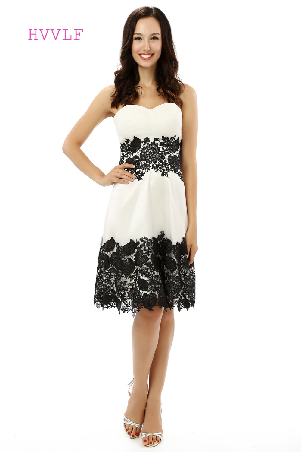 White Black Homecoming Dresses A-line Sweetheart Satin Lace Knee Length Sparkly Sweet 16 Cocktail Dresses 2019