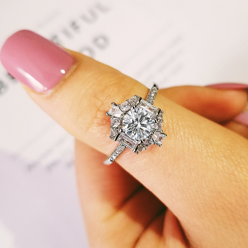 925 Sterling Silver Best Selling Luxury Engagement Ring For Women