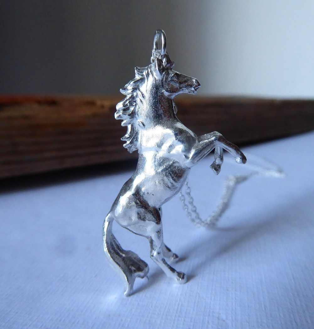 لطيف الإناث الغزلان الحصان القلائد المعلقات الأزياء 925 الفضة سلسلة القلائد للنساء خمر الزفاف مجوهرات بأشكال حيوانات