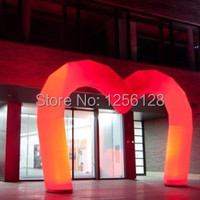 heart shaped 16 colors changing Inflatable entrance arch for romantic wedding decoration with Led