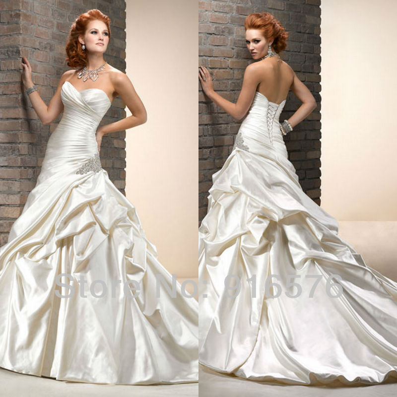 Pictures Of Wedding Gowns 2013: Great Ruffle White Corset Closure Beaded Brooch Pleat