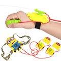 Juguetes de verano Despicable Me minions muñeca de mano pistola de agua mochila pistola al aire libre juguetes para niños