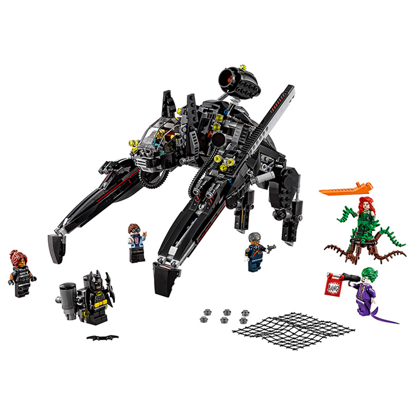 New DIY Model Building 775Pcs Genuine Batman Movie Series The Scuttler Bat Spaceship Set Building Blocks Bricks Toys Lepin 07056 new 1628pcs lepin 07055 genuine series batman movie arkham asylum building blocks bricks toys with 70912 puzzele gift for kids
