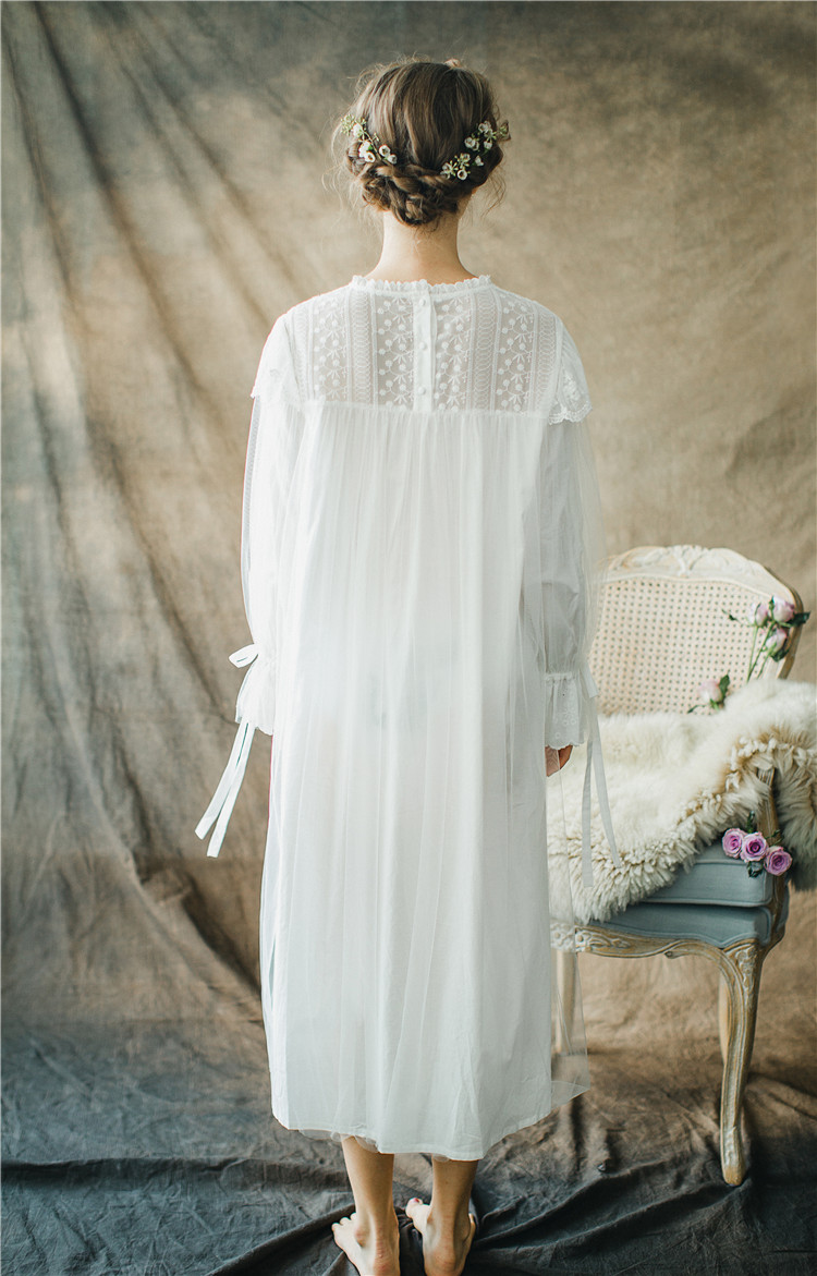 0652e0e0ee0 Women Ladies Victorian Style Long Sleeve Vintage White Solid Lace Nightgown  Plus Size Sleepwear Lingerie Dress Plus Size T26-in Nightgowns    Sleepshirts ...
